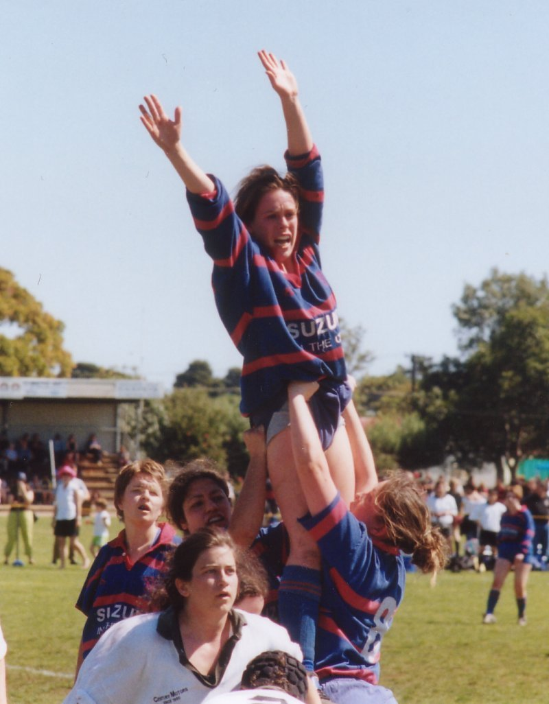 140902-womens-lineout